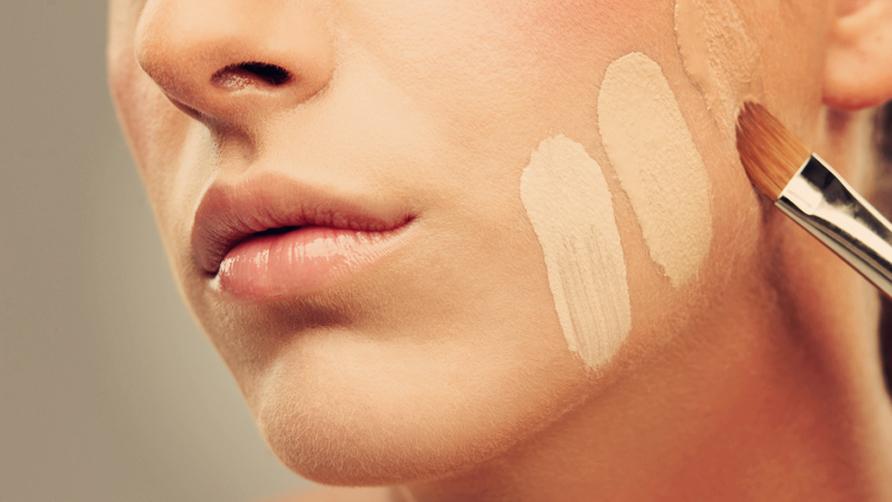 Kem trang điểm nào tốt cho da dầu nhờn?