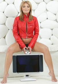 Gina Pistol (18)