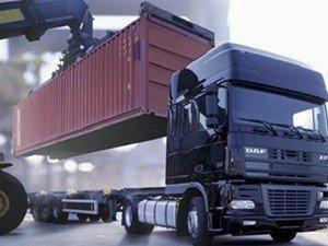 Как происходит погрузка контейнера на автотранспорт