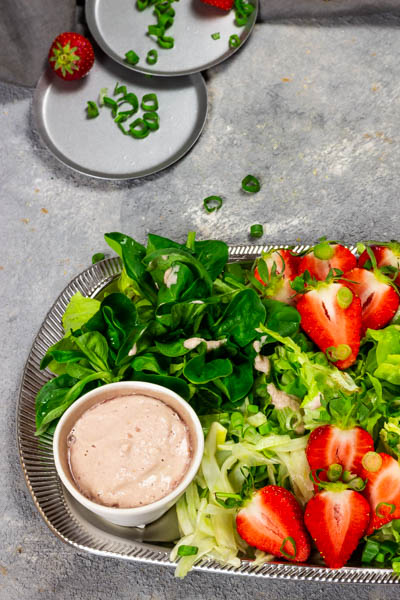 vegan-strawberry-fennel-salad