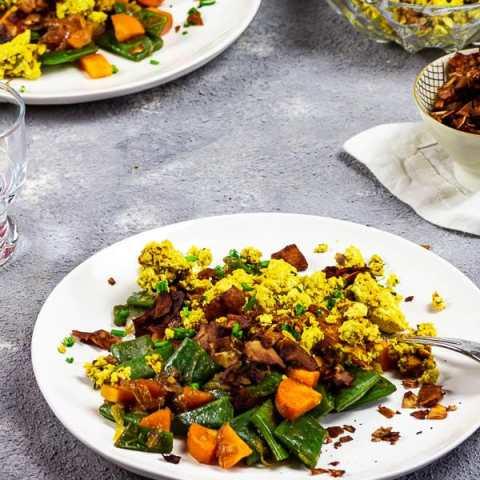 Veganes Rührei und Kokosspeck - geschmacklich wie die Nicht-Vegane Version