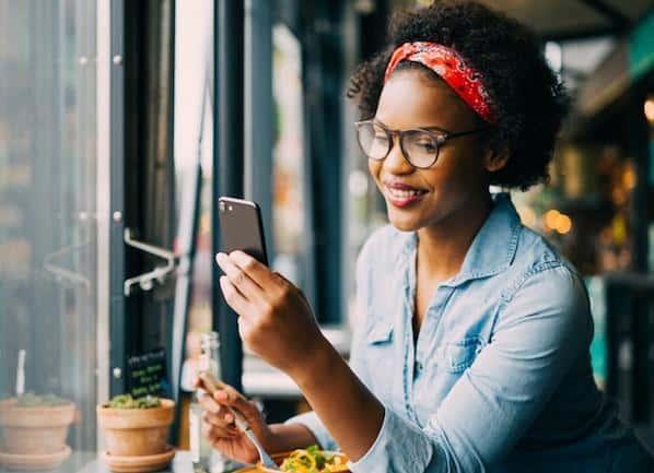 Cómo llevar tus historias de Instagram al siguiente nivel con pegatinas – Veeme Media Marketing
