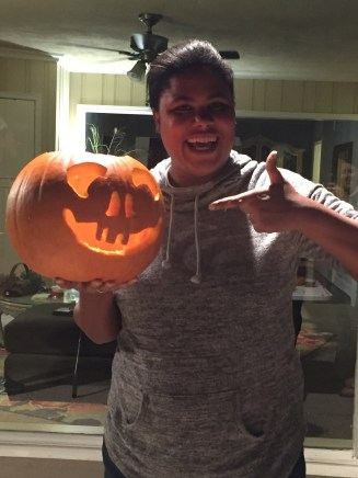 chrystal's first time carving a pumpkin! memphis, tennessee. october 2016.