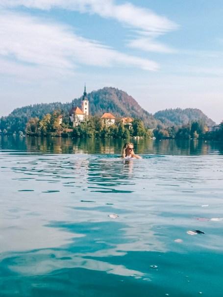 zwemmen in Lake Bled