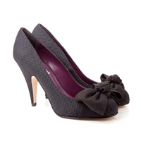 Beyond Skyn - Ellen Tacco a stiletto di 10 cm., in ecopelle. Euro 130,00