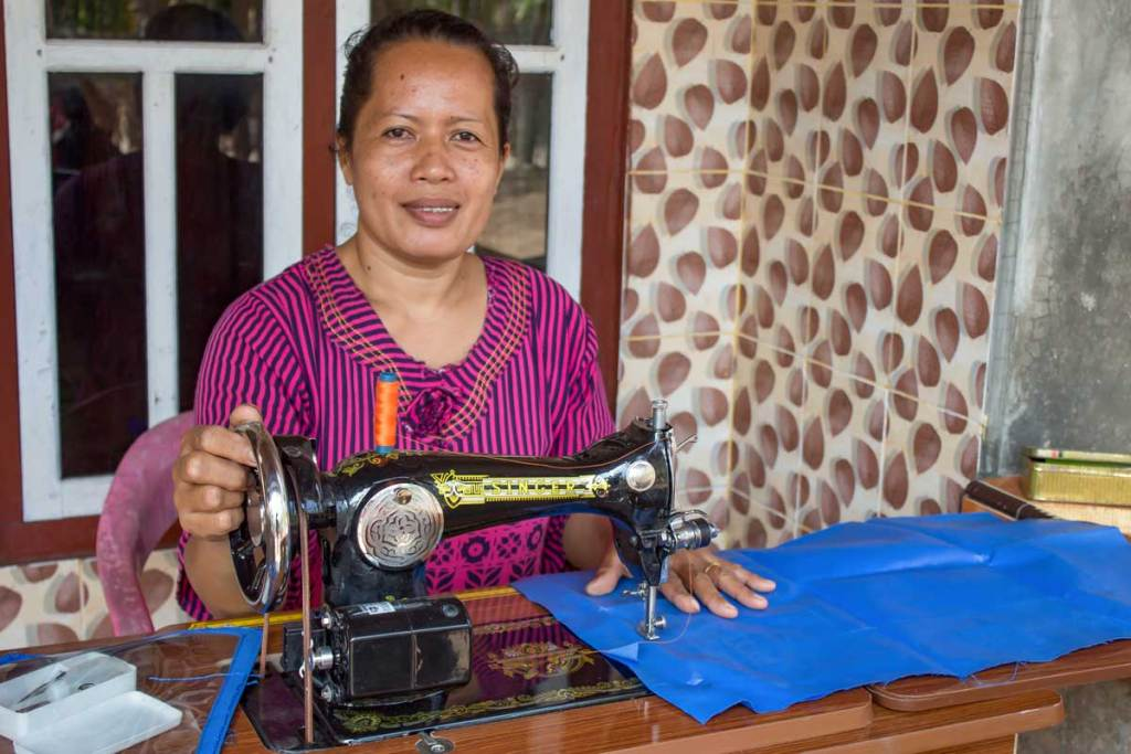 Donated sewing machines promote recycling