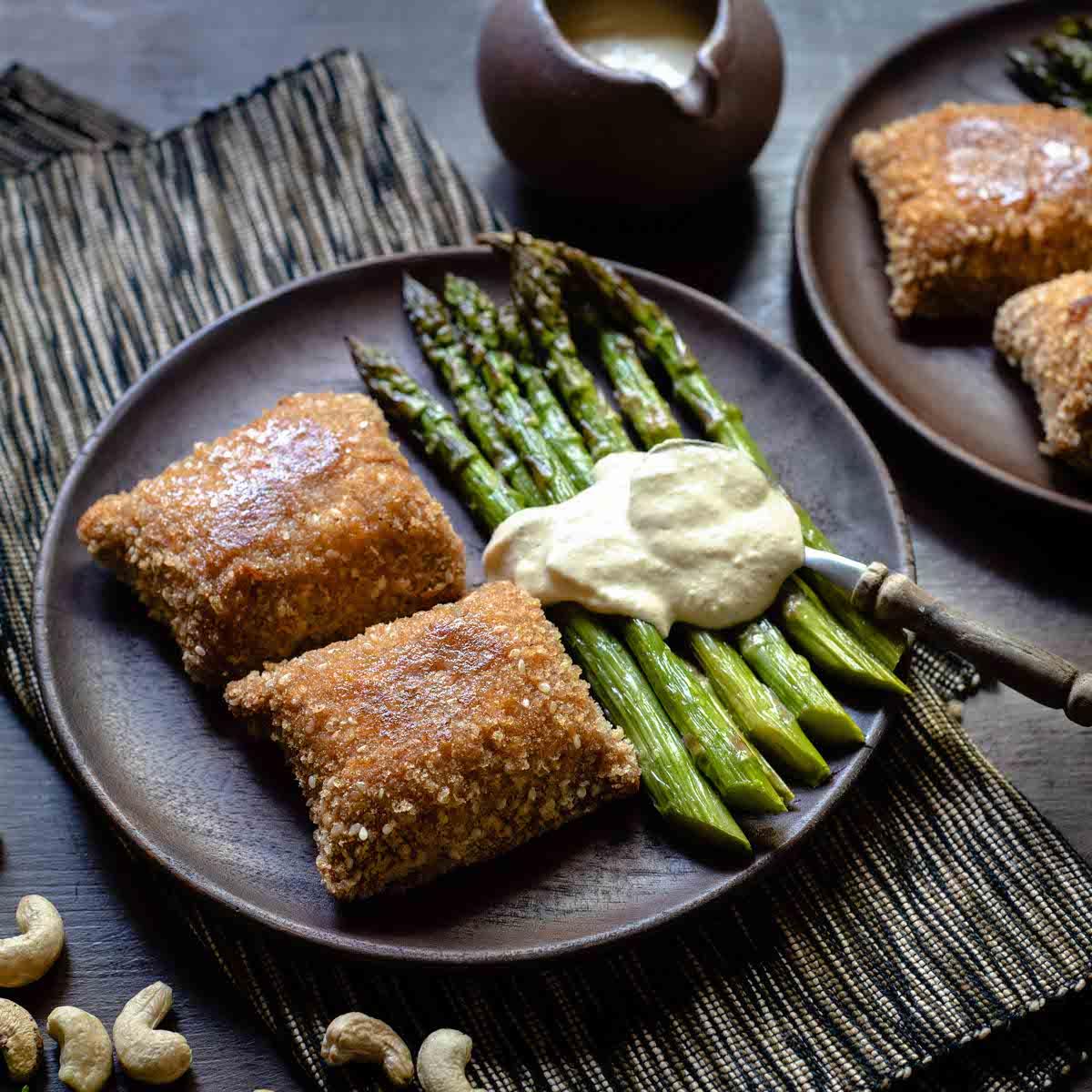 Cordon Bleu με Ψητά Σπαράγγια και Σάλτσα από Κάσιους