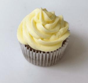 organic vanilla cupcakes organic vanilla cupcakes Organic Vanilla Cupcakes IMG 7020