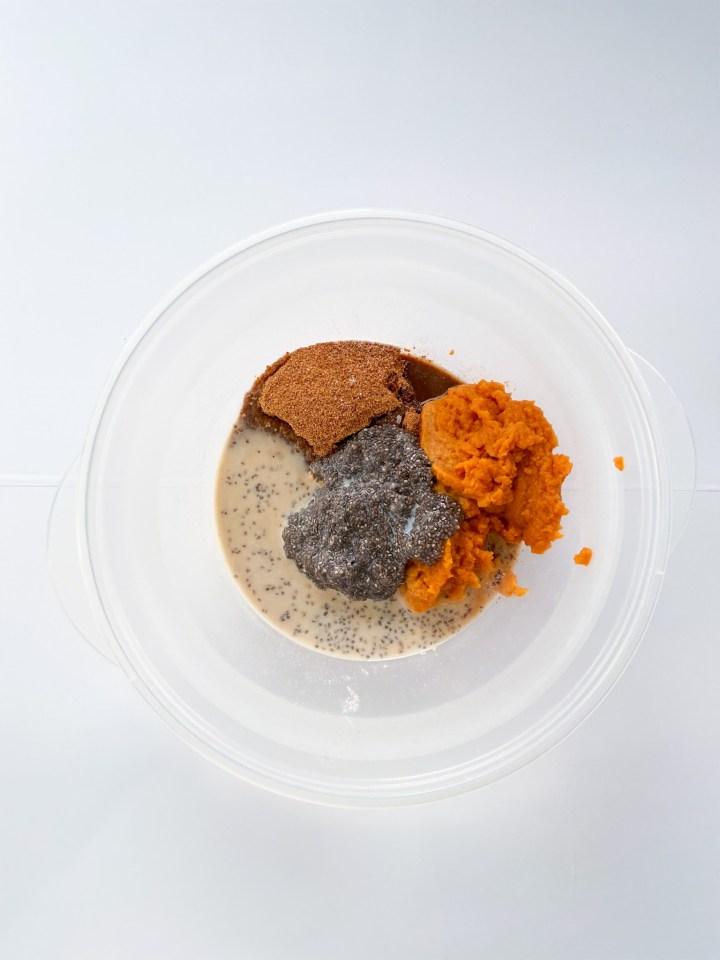 Pumpkin oatmeal bites batter