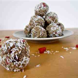 Tahini Energy Balls (sugar free + paleo + raw option)