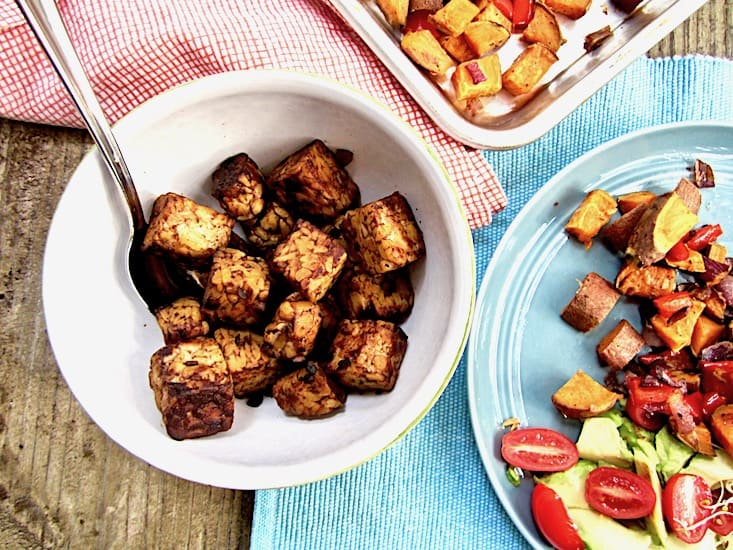 Smoky Tempeh & Roasted Sweet Potato Hash Recipe - a perfect vegan & gluten free combination for brunch, lunch or dinner! Simple. Satisfying. High Protein. {nut free, refined sugar free} | veganchickpea.com