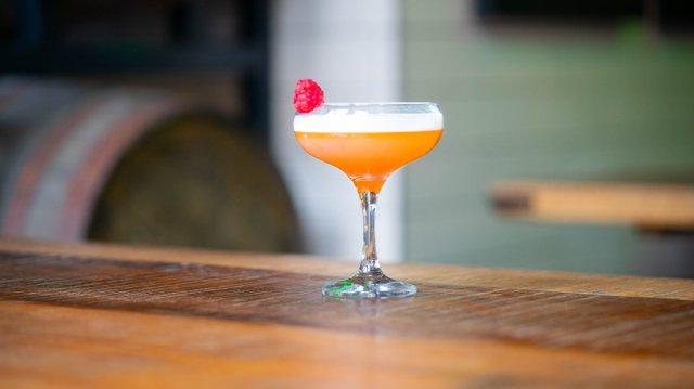 Vegan cocktail at Innis & Gunn, Edinburgh
