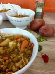 Image of vegan no-oil split-pea soup close up in a bowl.