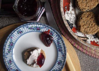 savoury biscuits with cream cheese and redcurrant jelly