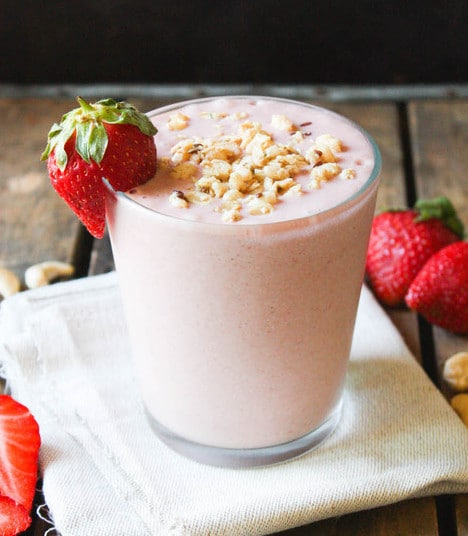vegan strawberry cheesecake smoothie