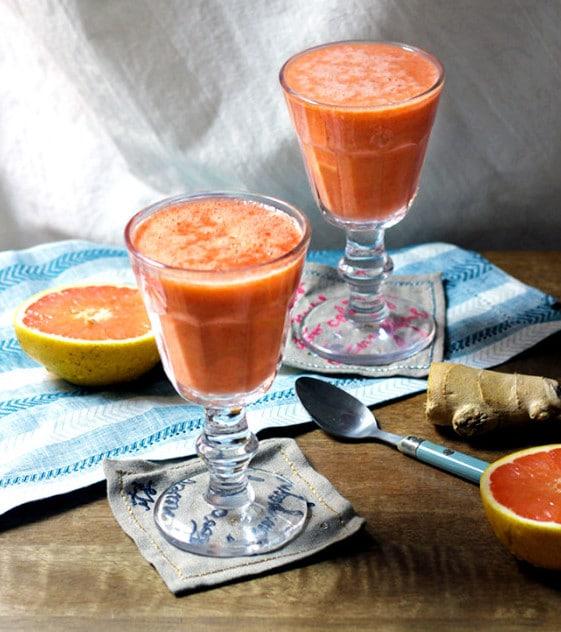 vegan_grapefruit_ginger_pink_smoothie