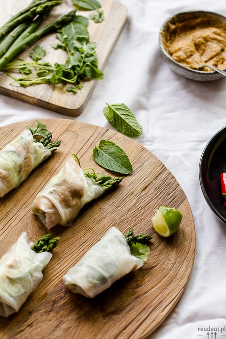 Asparagus Spring Rolls with Peanut Butter