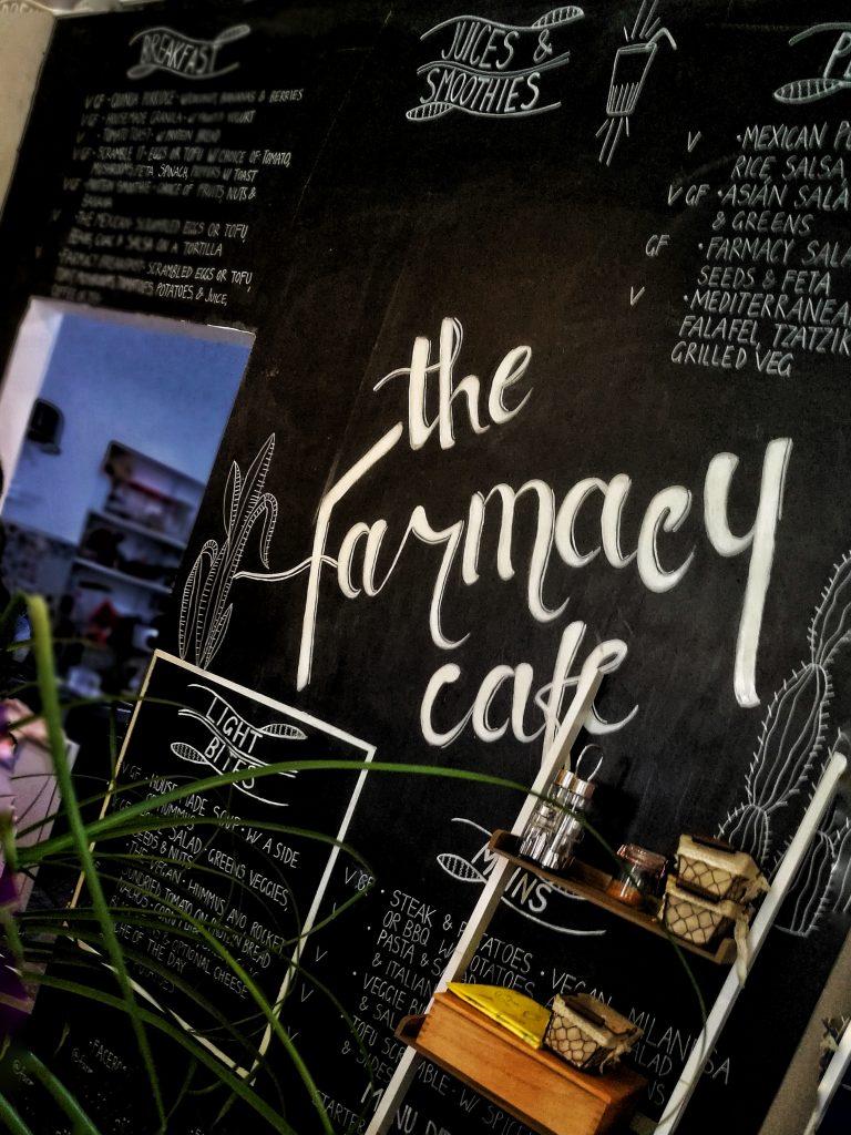 """Restaurante Vegano en Marbella """"The Farmacy"""": Yoga y Bienestar"""