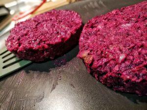 hamburguesa vegana de remolacha y avena