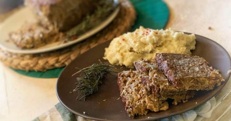 """Pastel de """"no-carne"""" vegano de lentejas y salsa de champiñones ¡Sin gluten!"""