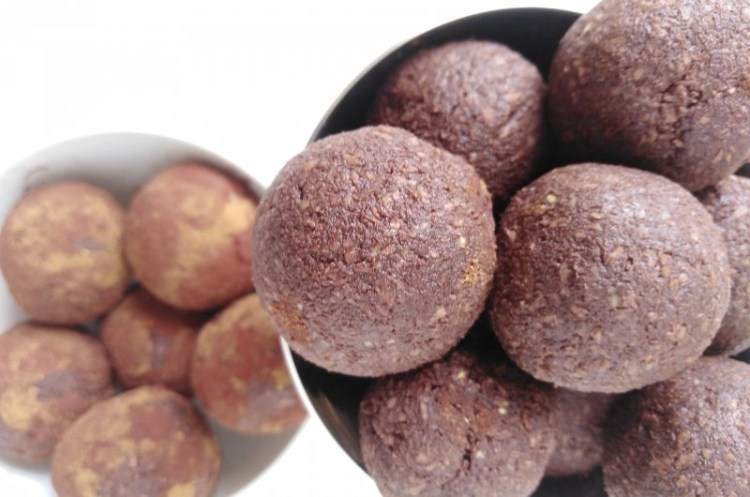 Vegan Chocolate Truffles with Coconut and Apples