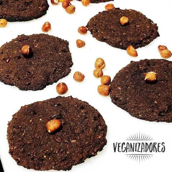 Cookie Vegano de Avelã e Cacau | Veganizadores
