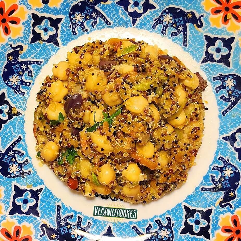 Salada Proteica Vegana de Grão-de-Bico e Quinoa - Receita Veganizadores