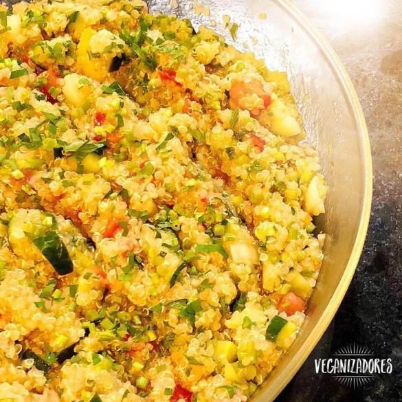 Tabule Vegano de Quinoa Sem Glúten - Receita Veganizadores