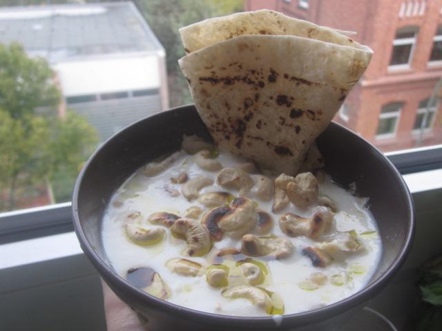 Fetteh: Yogurt & Chickpea Dish (Veganized)