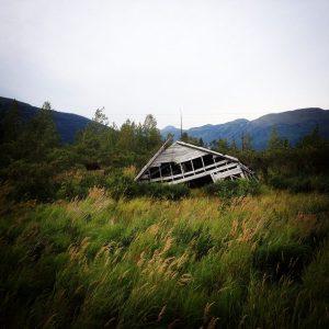 Alaska Sunken House Earthquare | Vegan Nom Noms