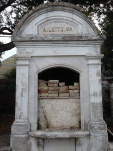 Lafayette Cemetary No. 1Grave New Orleans   Vegan Nom Noms