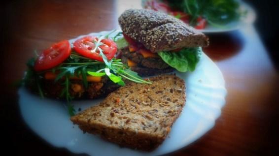 Vegan burger - fazuľový