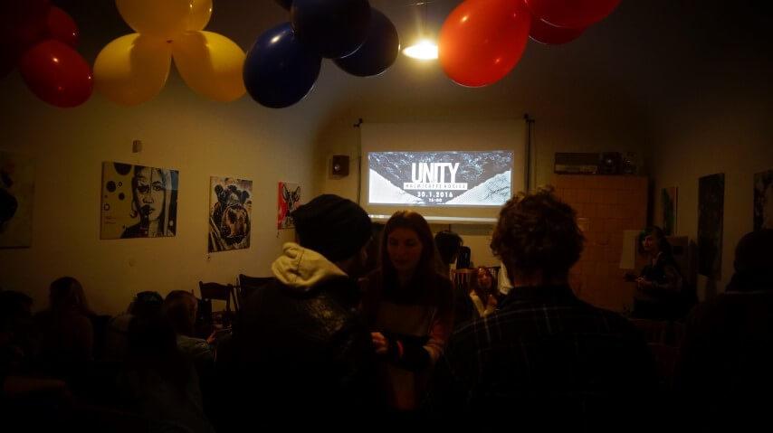 Reportáž: Premietanie filmu UNITY, HalmiCaffé