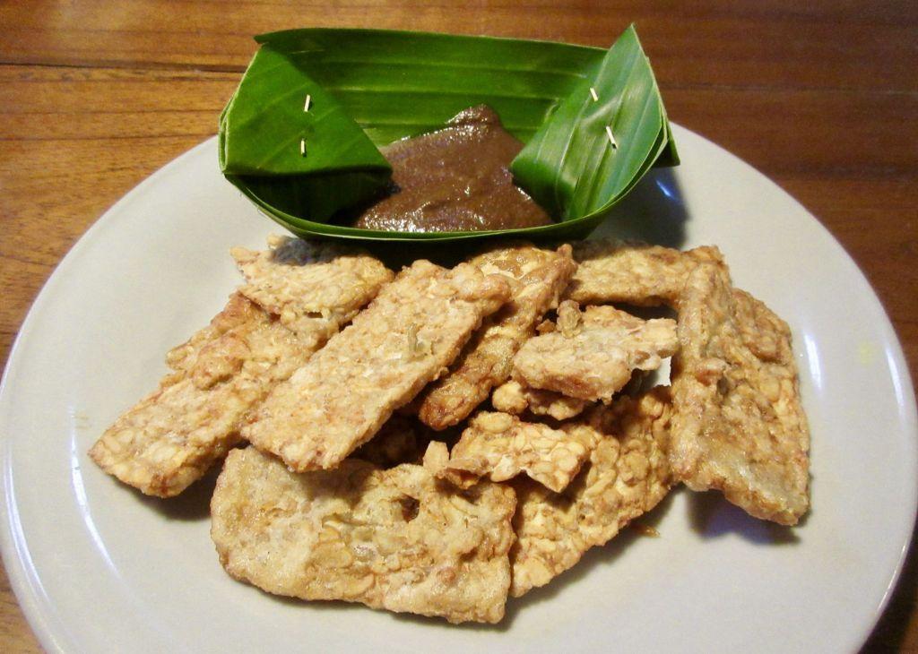 Vegan Bali Food Guide - Tempeh with peanut sauce