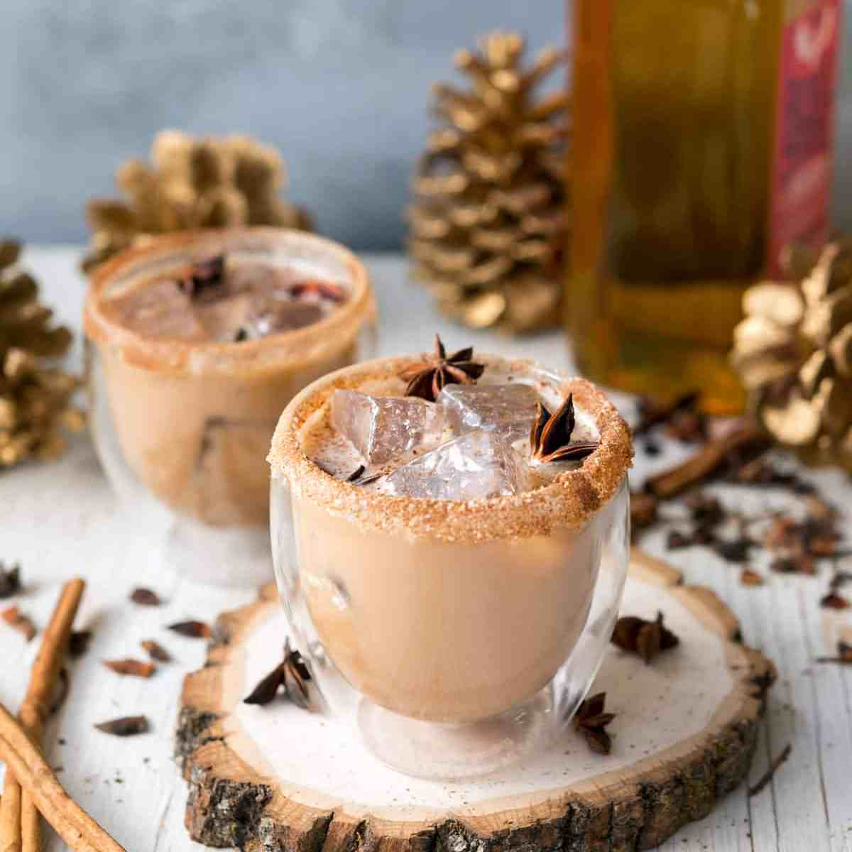 This Iced Cinnamon Whiskey Chai is spicy, cool and perfect for the holidays! Made with delicious Rebbl Ashwaganda Chai Elixir @Veganyackattack #rebbl