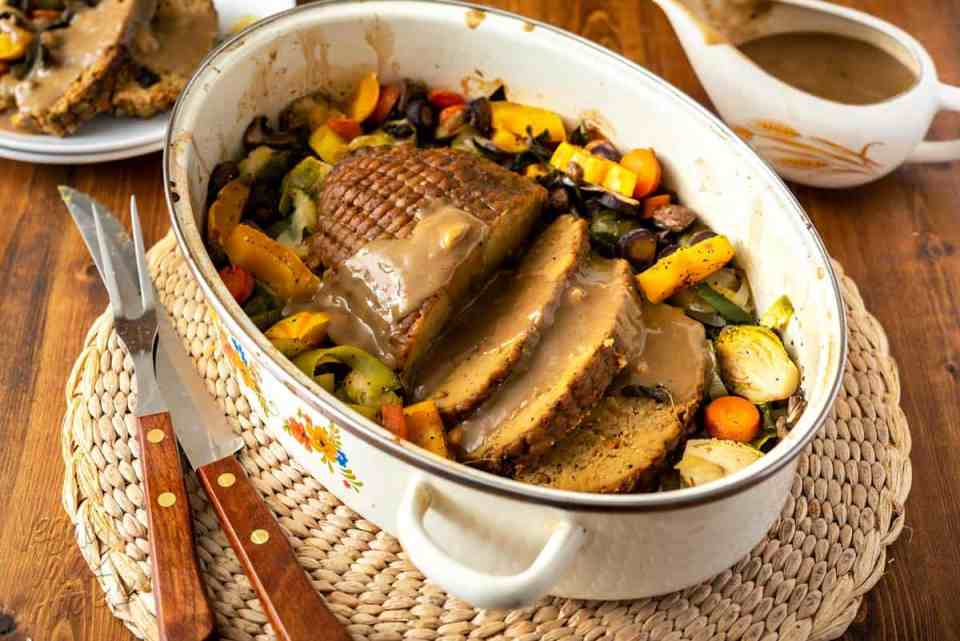 When the holidays come around, the pressure is on for plant-based dishes to deliver. Wow your friends and family with this easy-to-prepare Celebration Roast Centerpiece! #FieldRoast #plantbased