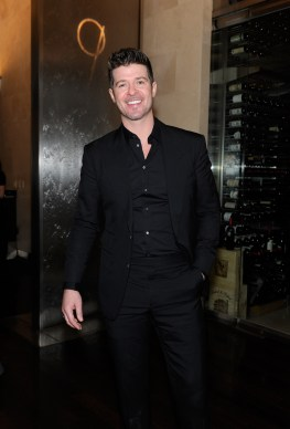 Robin Thicke dines at freshly remodeled N9NE Steakhouse inside Palms Casino Resort following concert inside The Pearl.