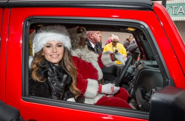 Shania Twain is Grand Marshall for Great Santa Run in Las Vegas, NV