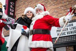 Shania Twain is Grand Marshall for Great Santa Run in Las Vegas, NV