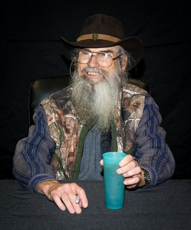Si Robertson signs copies of Si-cology 1 at Sam's Club in Las Vegas