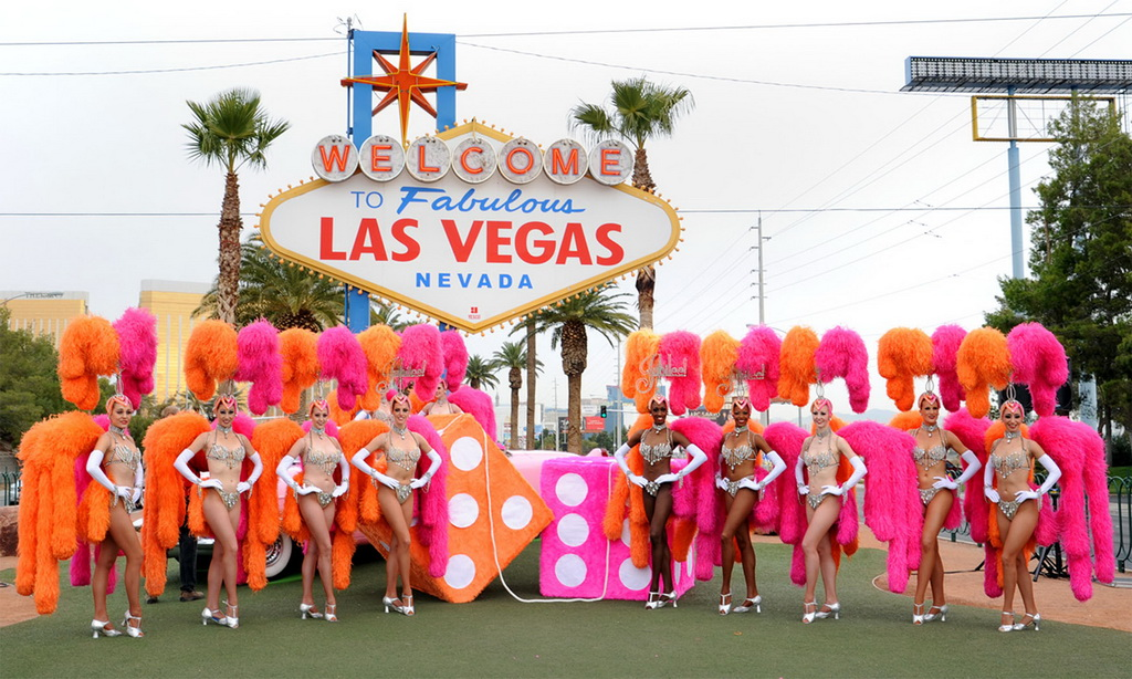 10 Reasons - Las Vegas Showgirls