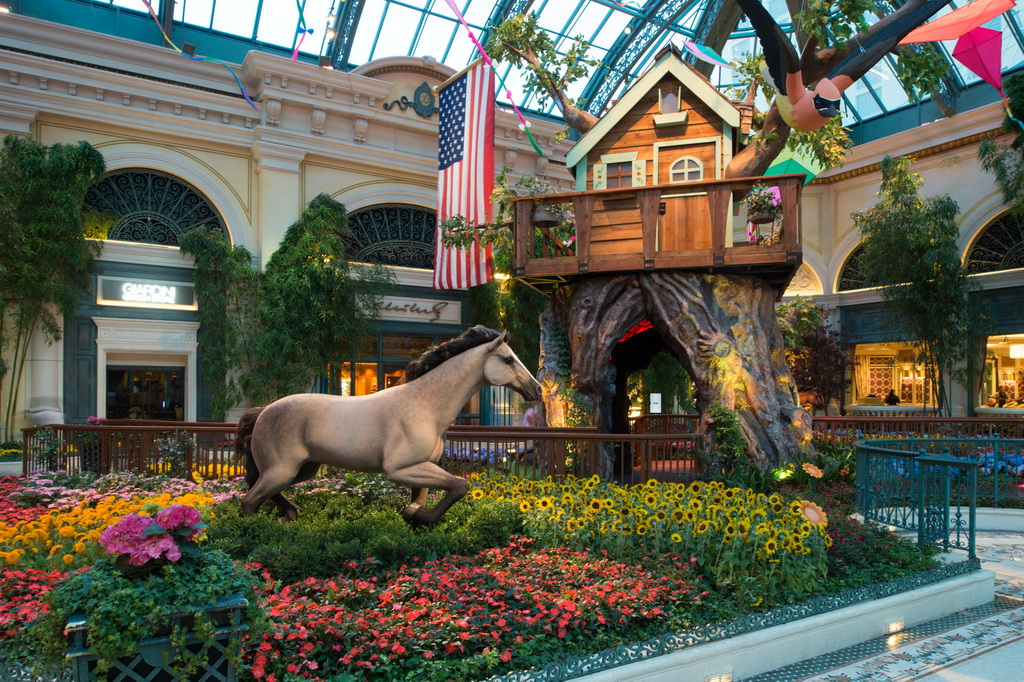 Bellagio Conservatory - Summer Display - Tree house and Horse - 2014