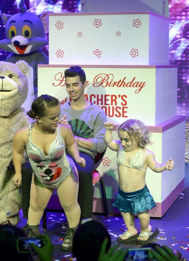 Midget strippers in las vegas