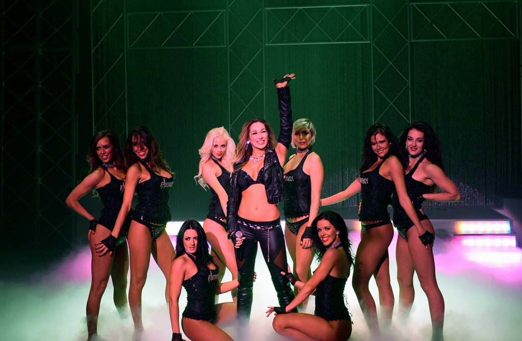 Lead Singer Jaime Lynch and the  Cast of FANTASY Performing New Closing Number