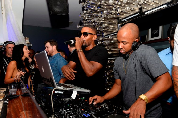 Jamie Foxx celebrate at Hyde Bellagio