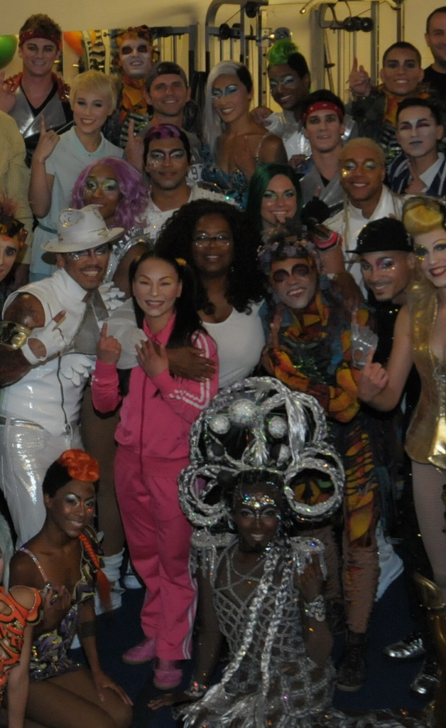 Oprah Winfrey and students pose  with the cast of Michael Jackson ONE by Cirque du Soleil, July 25, 2015