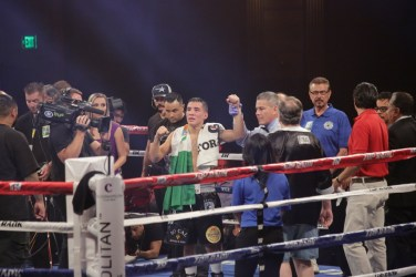 Valdez defeats Avalos