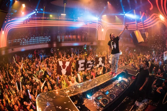 Steve Aoki at JEWEL Nightclub