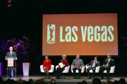 Chuck Bowling, Lisa Borders, Mayor Carolyn Goodman, Commissioner Steve Sisolak, Bill Hornbuckle and Bill Laimbeer at the Las Vegas Aces & MGM Resorts Press Event