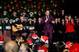 Matt Goss, Cynthia Kiser Murphy and Las Vegas Academy Choir